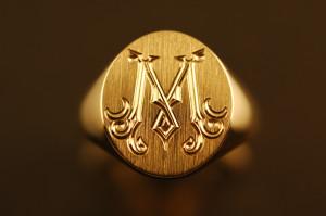 золотое мужское кольцо с гербом