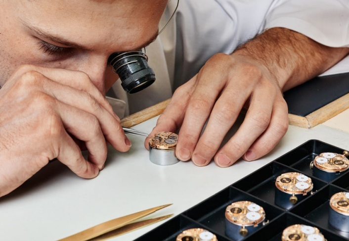 ручная сборка швейцарских часов charmex