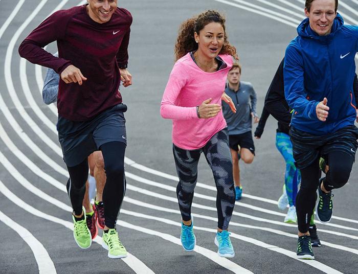 одежда бренда Nike