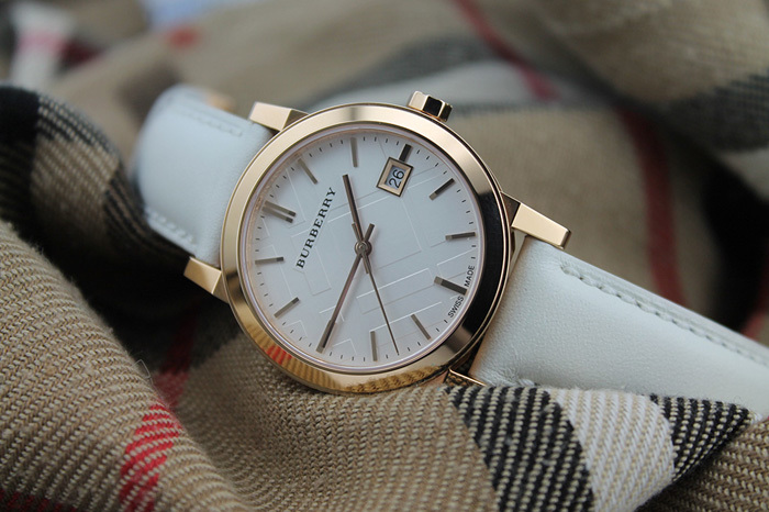 часы Burberry с корпусом из стерлингового серебра