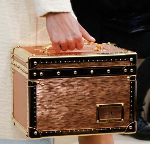 квадратный сундучок Louis Vuitton
