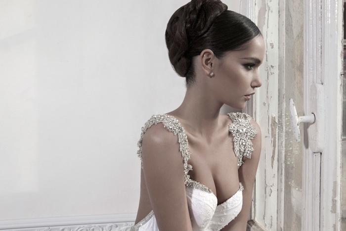 платье невесты с кристаллами Swarovski