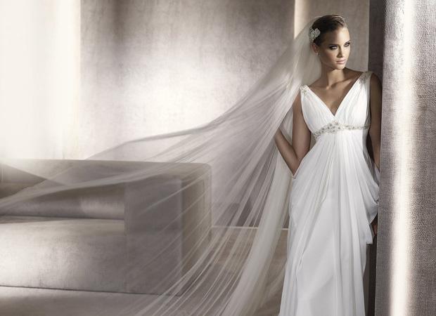 свадебное платье в греческом стиле, с кристаллами на поясе