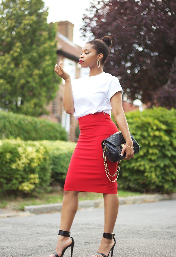 красная юбка-карандаш с черным топом