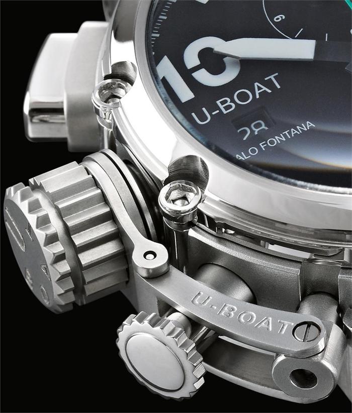 огромный циферблат наручных часов U-BOAT